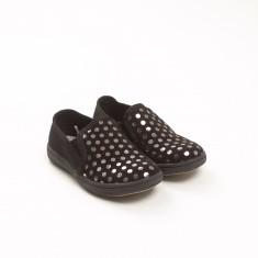Čevlji št. 28