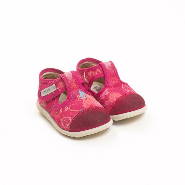 Čevlji št. 18