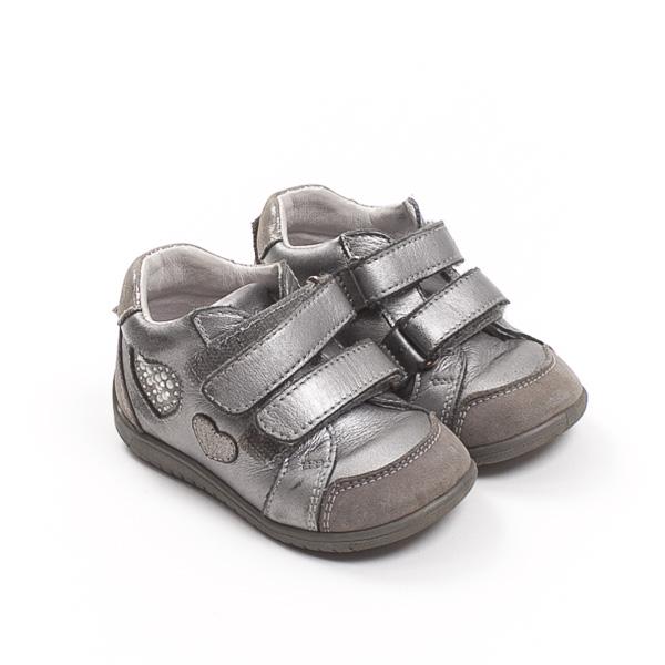 Čevlji št. 20